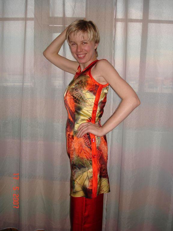 Женские платья костюмы